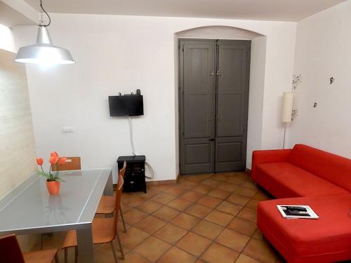 Loft Muralla Girona, Girona