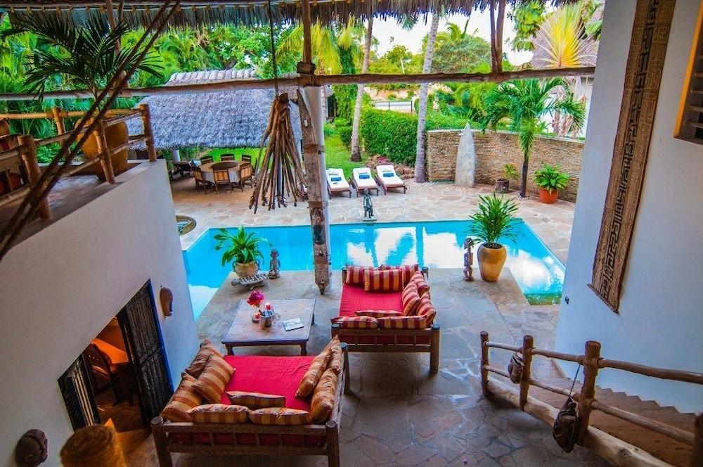Maisha Marefu Luxury Villa