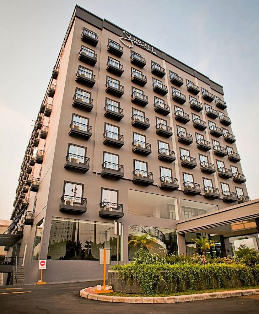 Samala Hotel Jakarta Cengkareng Qantas Hotels Australia Voucher Value Indonesia Street View Front