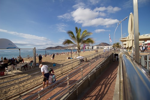 Next to the sea in Canteras Beach, Las Palmas
