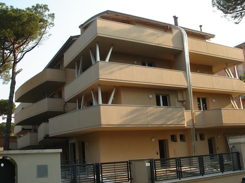 . La Settima Apartments