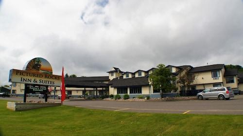 . Pictured Rocks Inn & Suites
