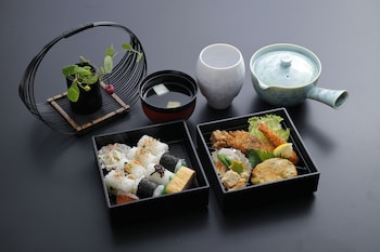 THE JUNEI HOTEL KYOTO IMPERIAL PALACE WEST Food and Drink