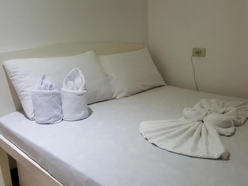 Alexzus Backpacker Travel Lodge, El Nido