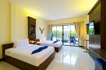 Deluxe Twin Room, 2 Twin Beds, Pool View