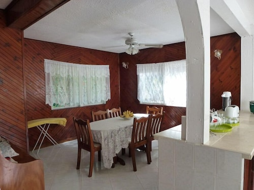 Chez Muriel Guest House,