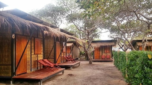 Little Hut, Muang Ranong
