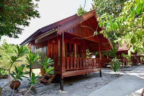 Frog Beach House, Muang Ranong