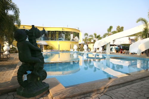 Metro Vigan Fiesta Garden Hotel, Bantay