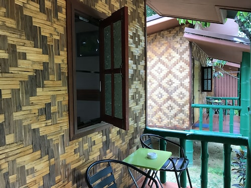 The Royal Bamboo Lodge, Phanom