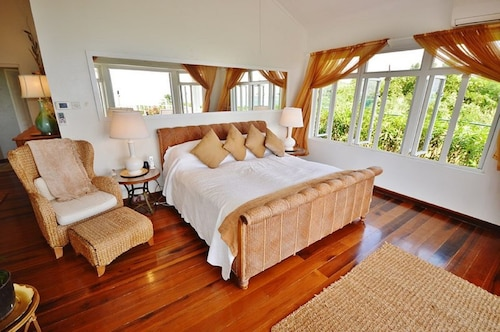 Seaview Long Beach Luxury Villa,