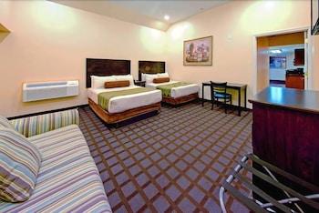Guestroom at Hotel Monte Carlo Oceanfront in Ocean City