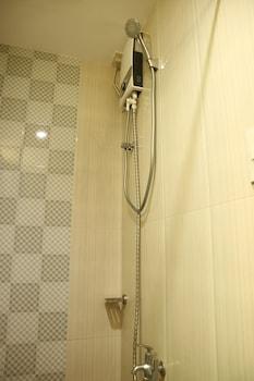 EA APARTELLE - METRO VIGAN Bathroom Shower