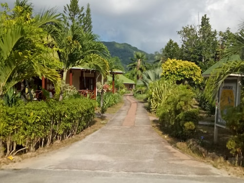 Paradise Flycatcher's Lodge,