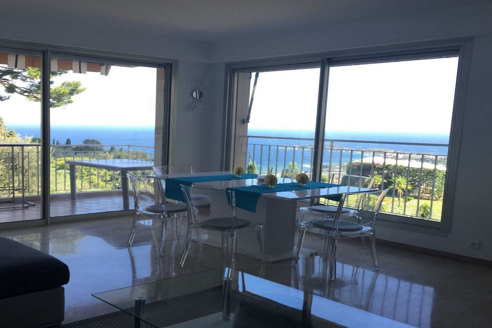 Panoramic Sea View Apartment