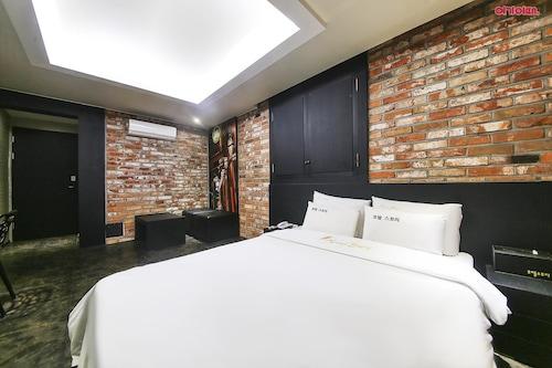Hotel Story, Cheongju