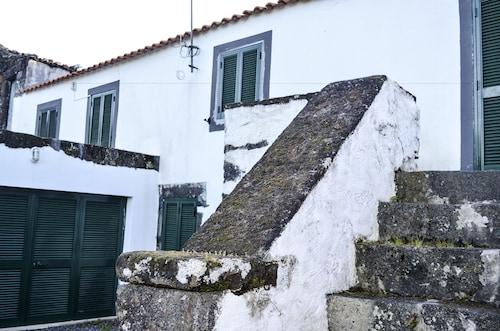Casa da Pia de Pedra, São Roque do Pico
