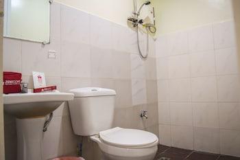 ZEN ROOMS DOÑA VICENTA Bathroom