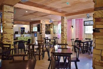ZEN ROOMS SEASLUGS EL NIDO Restaurant