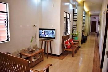 ZEN ROOMS SEASLUGS EL NIDO Lobby Sitting Area