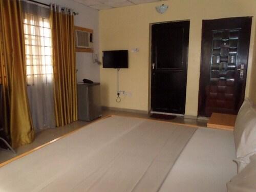 International New Life Hotel & Suites, Ikorodu