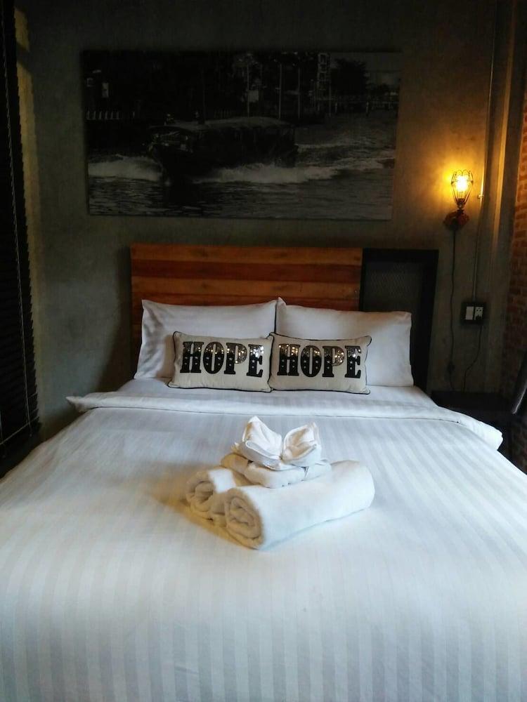 ヨタカ ザ ホステル アット バンコク
