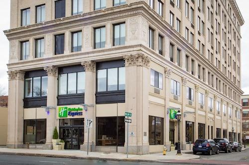. Holiday Inn Express Springfield Downtown