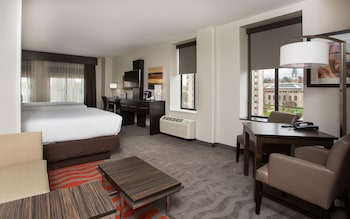 Suite, Multiple Beds, Accessible, Bathtub (Hearing)