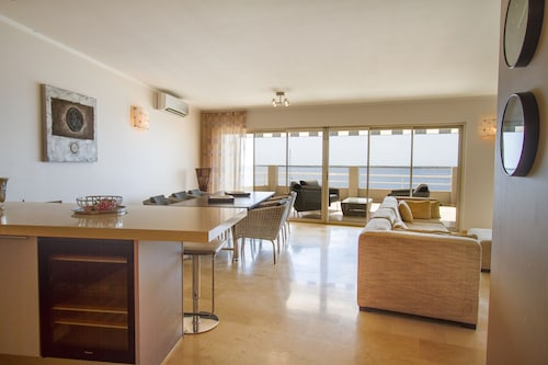 Seaside Suites,