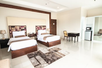 SIERRA HOTEL Room