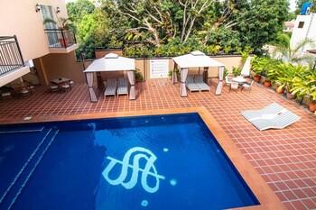 SIERRA HOTEL Pool