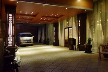 SIERRA HOTEL Porch