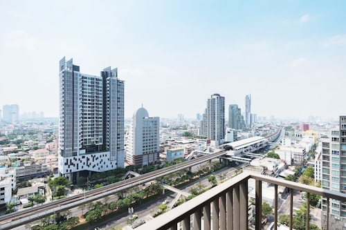 The Nye By Favstay, Khlong San