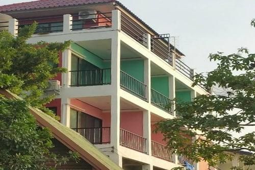 Ocean View Resort - Koh Sichang, Koh Si Chang