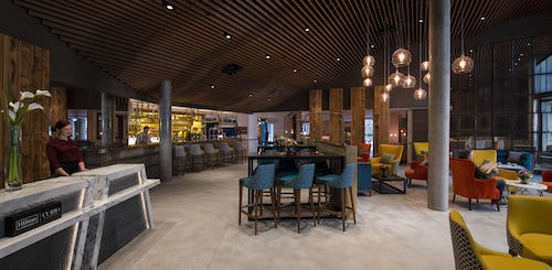 Lincoln Plaza London, Curio Collection by Hilton, London