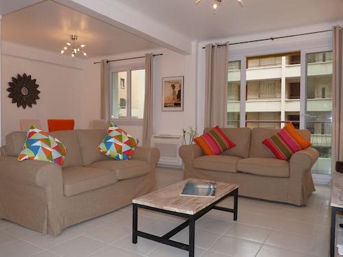Apartment 82, Alpes-Maritimes