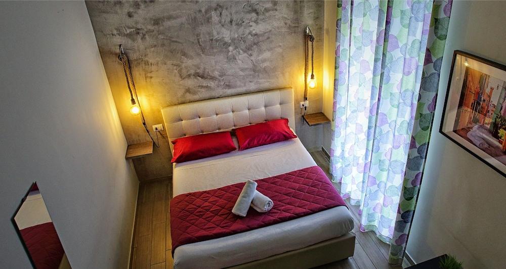 Hotel Napoli City Rooms