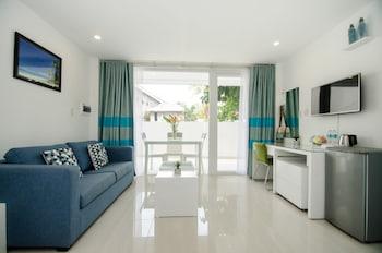 INDILA BORACAY Living Area