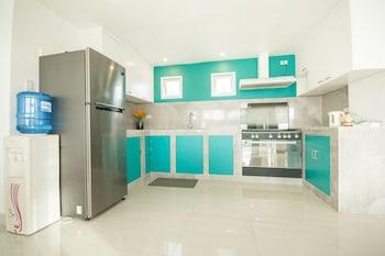 INDILA BORACAY In-Room Kitchen