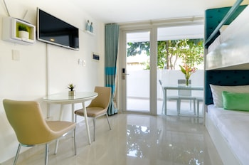 INDILA BORACAY Room