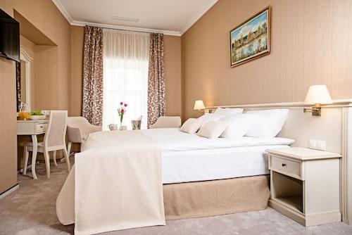 Charków - Pletnevskiy Inn Hotel - z Poznania, 10 kwietnia 2021, 3 noce