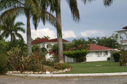 Executive Mamme Bay Hotel and Conference,