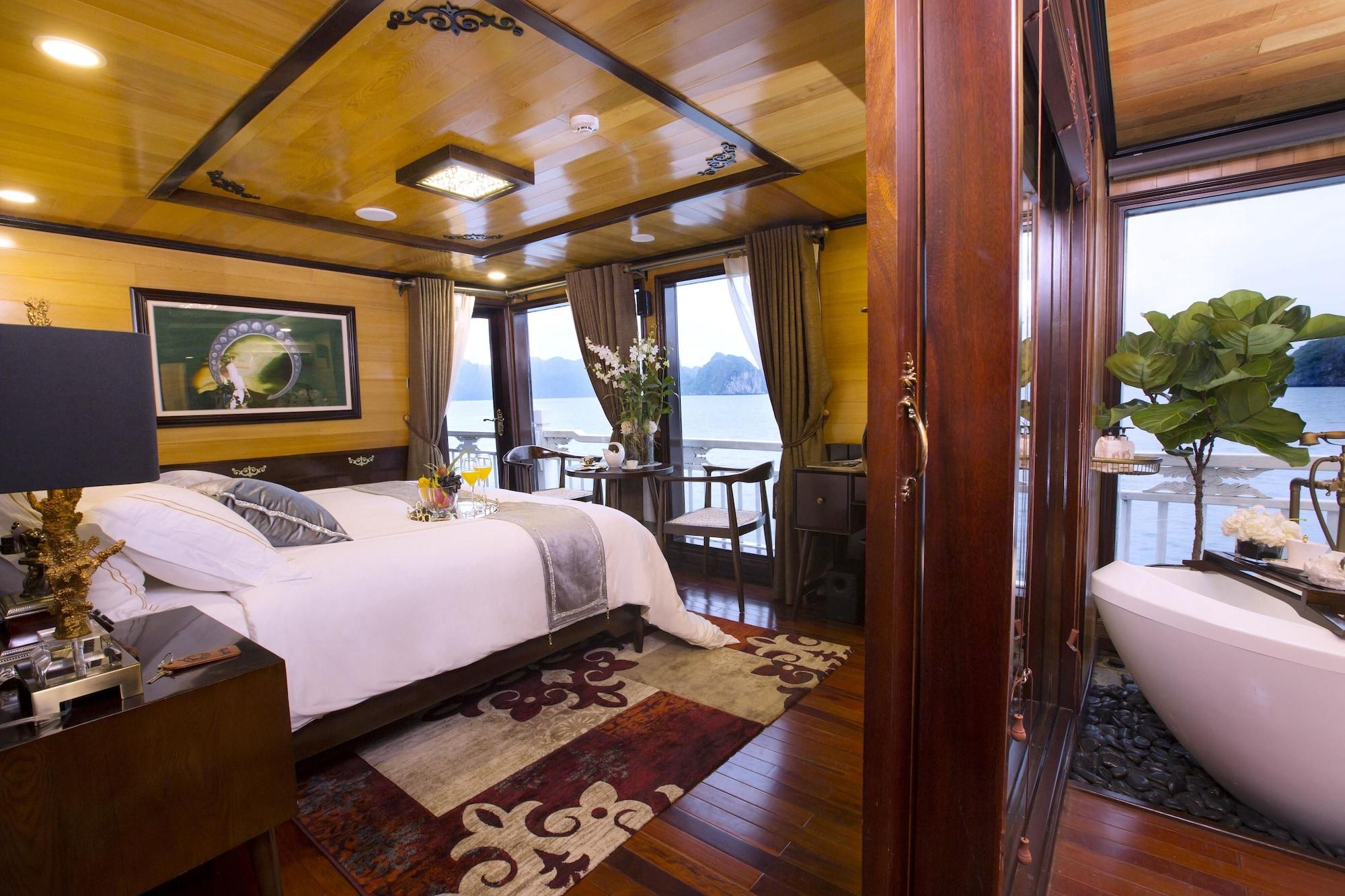 Hera Cruises, Hạ Long