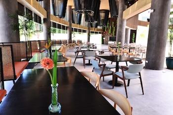 HUE HOTELS AND RESORTS BORACAY Breakfast Area