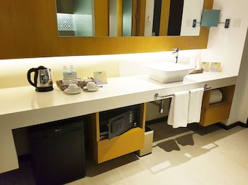HUE HOTELS AND RESORTS BORACAY Bathroom Sink