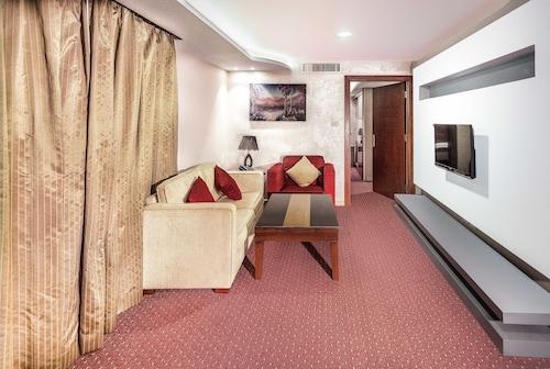 Sofia Suites Hotel, Salt