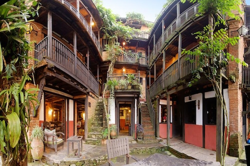 The Old Inn, Gandaki