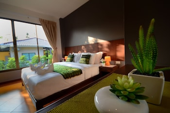 Deluxe Villa with King Bed