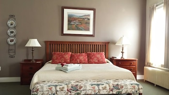 Suite, 1 King Bed & 1 Twin Bed, Kitchen (Suite 5)