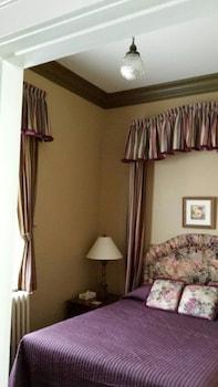 Suite, 1 Queen Bed, Kitchen, Ground Floor (Suite 3)